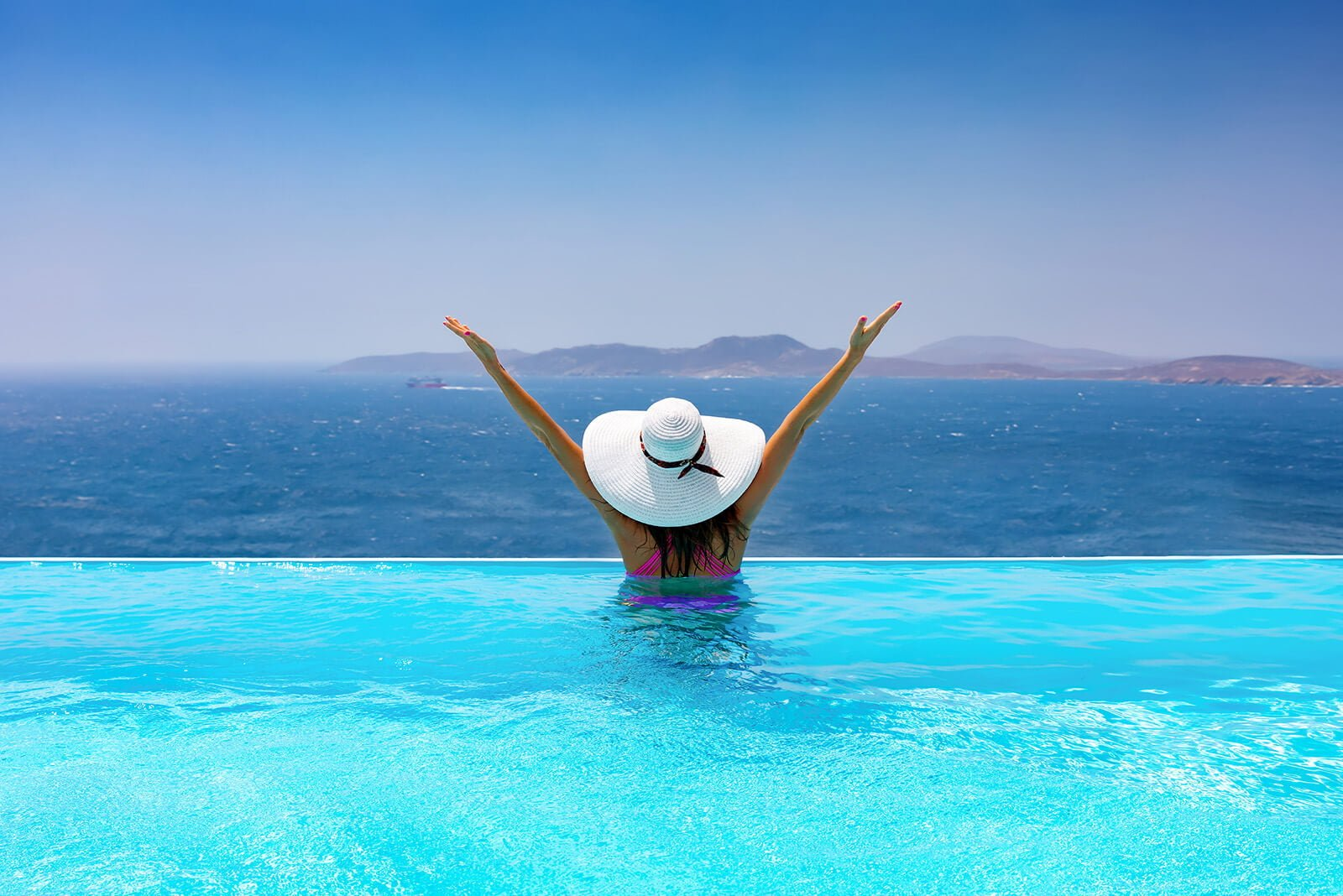 Bể bơi vô cực 1.500 m đẳng cấp tại khu nghĩ dưỡng Sunbay Park Ninh Thuận