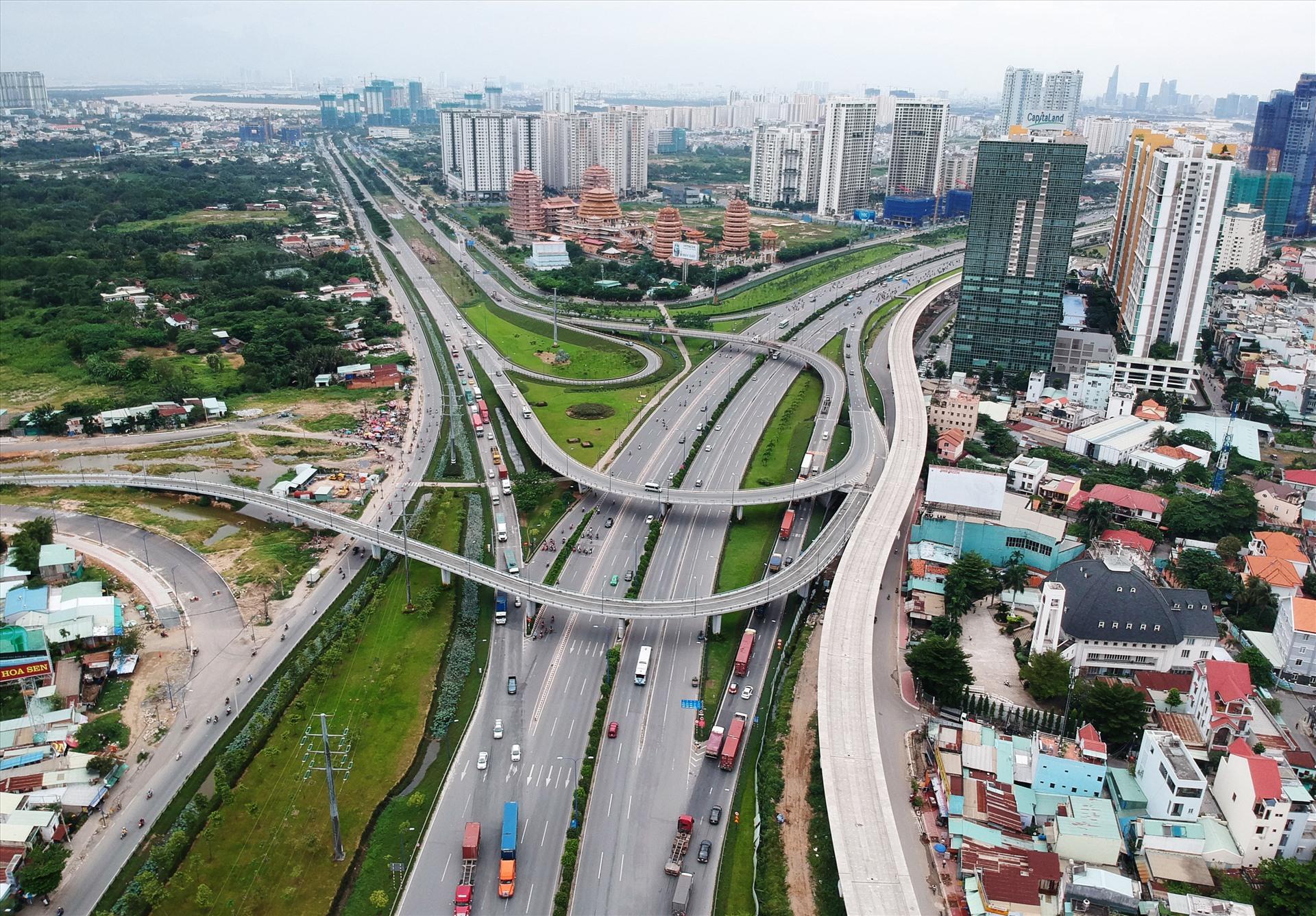 Mạng lưới giao thông kết nối và hiện đại là ưu thế để Đồng Nai thu hút các nhà đầu tư trong và ngoài nước